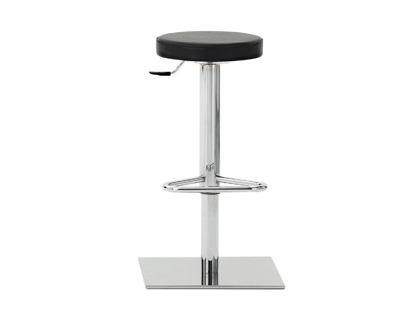 Height-adjustable stool with footrest EASY | Height-adjustable stool by Mara