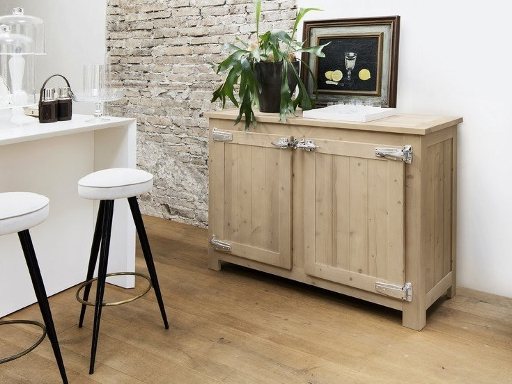 Spruce sideboard with doors EASY | Spruce sideboard by AltaCorte
