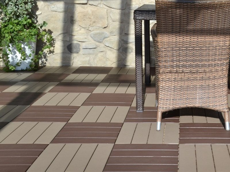Pavimento per esterni flottante effetto legno easyplate