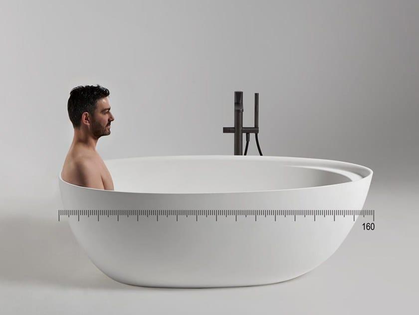 Freestanding oval Cristalplant® bathtub ECLIPSE SMALL by Antonio Lupi Design