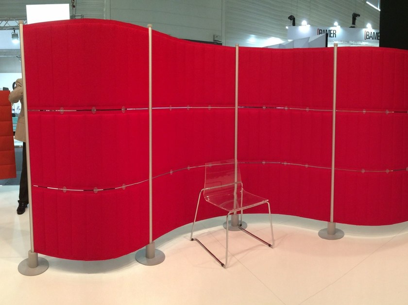Free standing Trevira® CS workstation screen ECOFLEX by Slalom