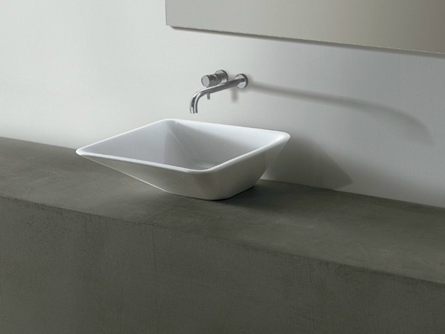 Square ceramic washbasin EDGE 44X44 | Washbasin by Alice Ceramica