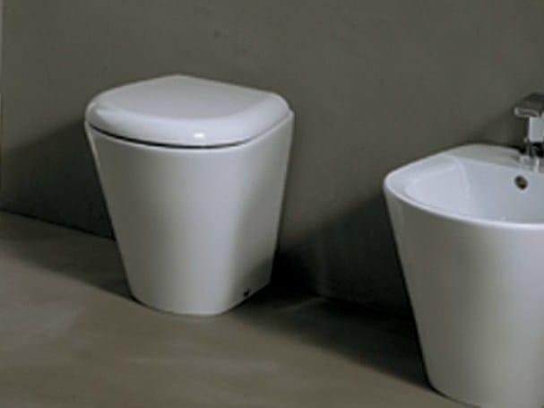 Contemporary style ceramic toilet EDGE TONDA | Toilet by Alice Ceramica