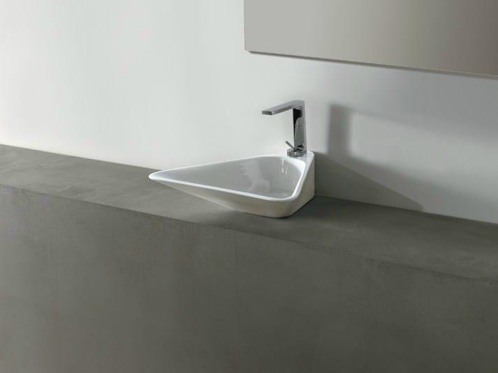 Countertop ceramic washbasin EDGE TRIO | Washbasin by Alice Ceramica