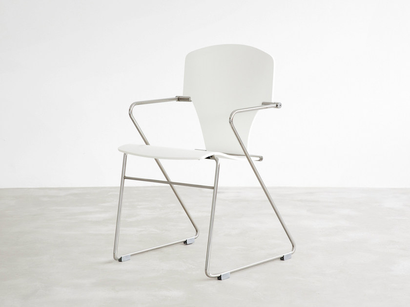 Sled base stackable lacquered chair EGOA | Lacquered chair by STUA