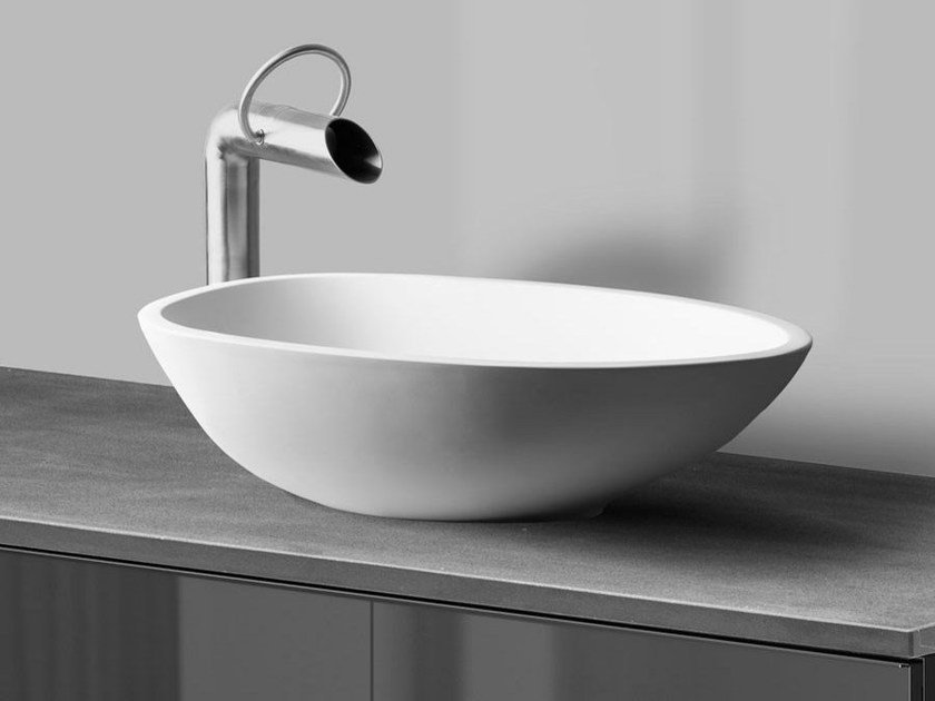 Countertop oval washbasin ELAINE by JEE-O