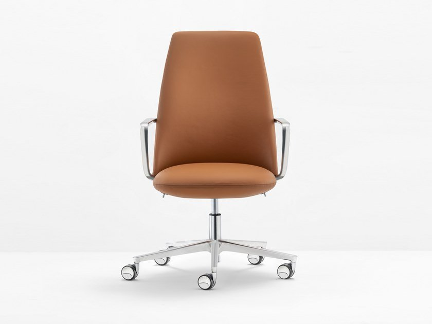 Executive chair with 5-spoke base ELINOR by PEDRALI