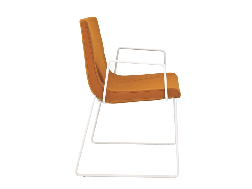 Sled base chair with armrests ELLE 48 | Chair with armrests by Emmegi