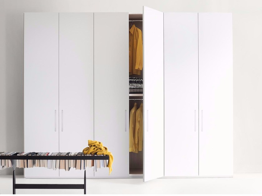 Wardrobe custom ELLEVI by Lema