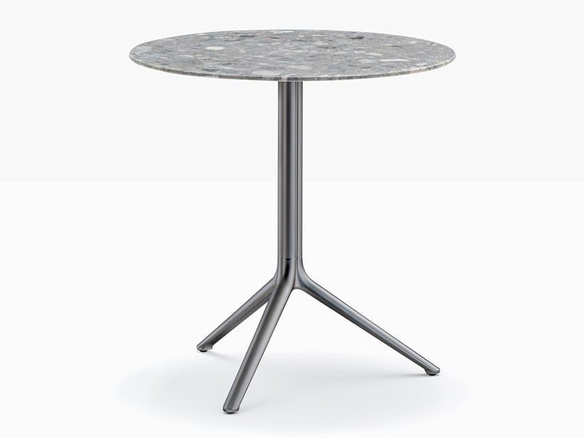 Tavolo rotondo in alluminio con base a 4 razze ELLIOT 5470 by PEDRALI