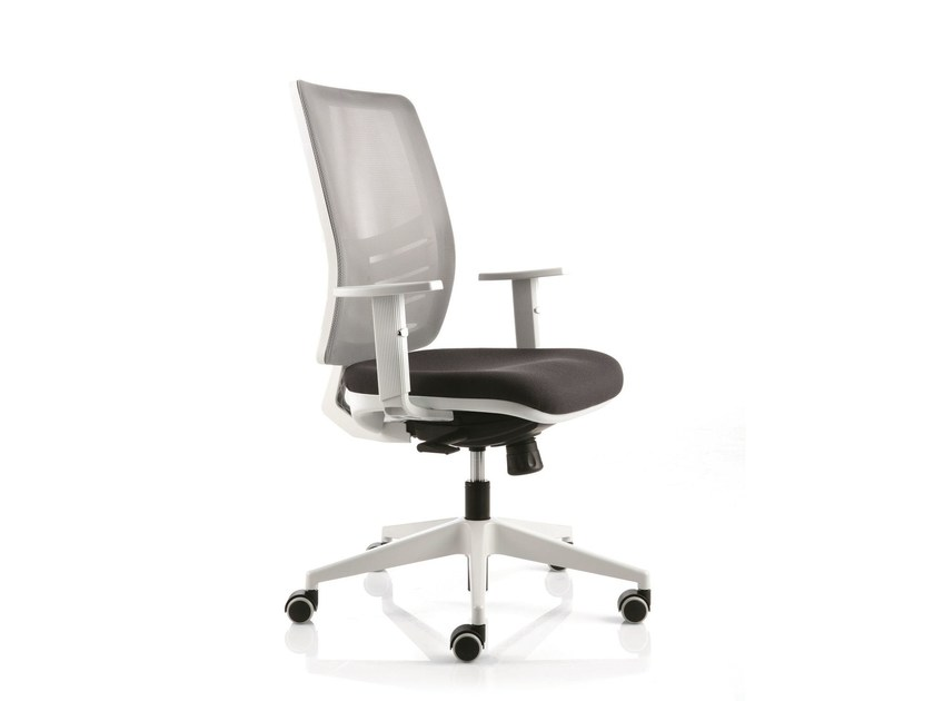Swivel task chair with 5-Spoke base with armrests EM46 | Task chair by Emmegi