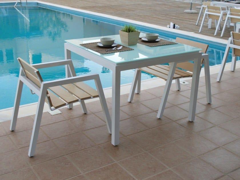 Square glass garden table EMILY | Aluminium garden table by Efasma