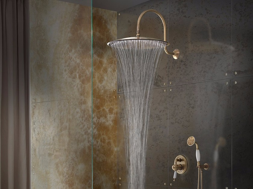 Wall-mounted brass rain shower with arm EMISFERO | Wall-mounted overhead shower by tender rain
