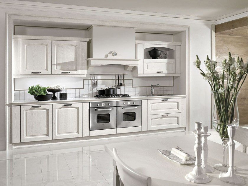Custom fitted kitchen with handles EMMA by ARREDO 3