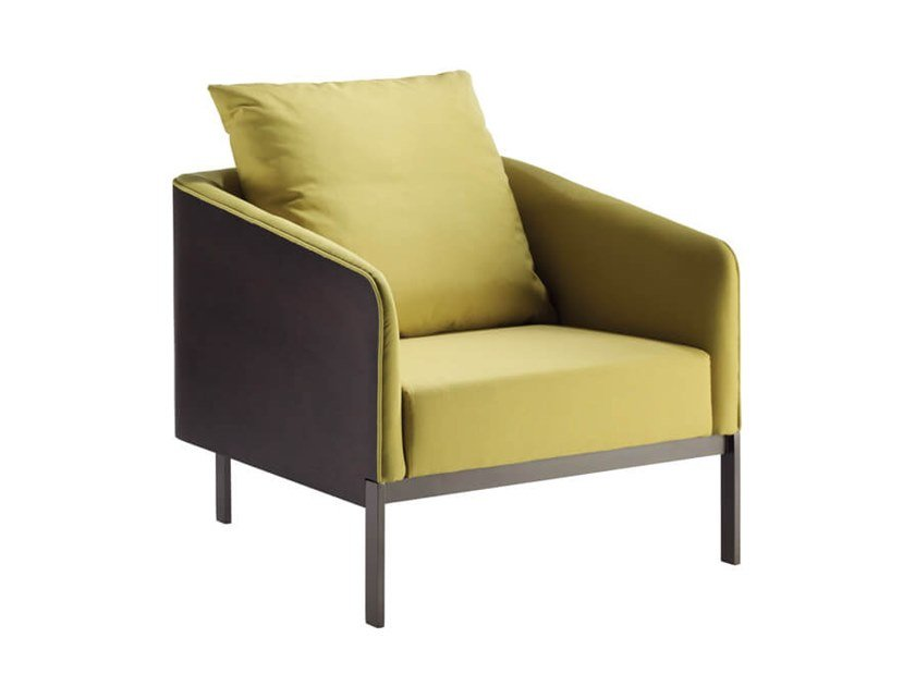 Fabric armchair with armrests EMMA | Armchair by HC28