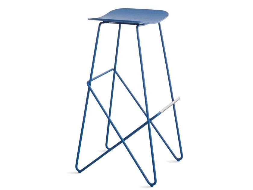 High steel stool with footrest ENDLESS | High stool by Desalto