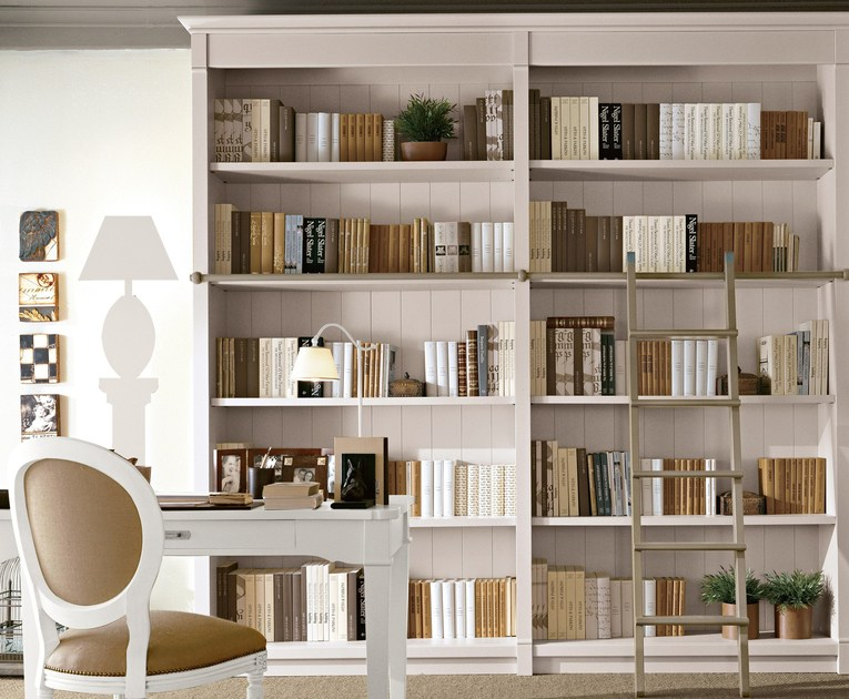 Sectional solid wood bookcase ENGLISH MOOD | Bookcase by Minacciolo