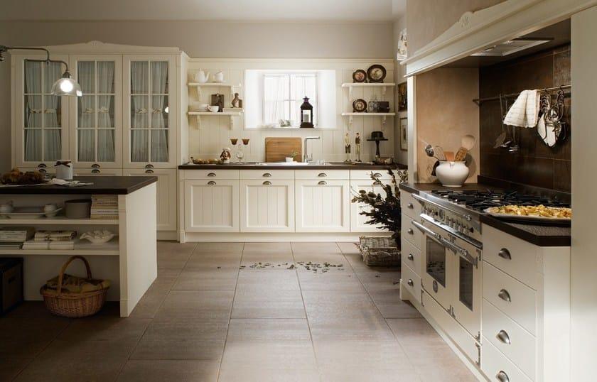 Cucina componibile in legno con isola ENGLISH STYLE - Callesella ...