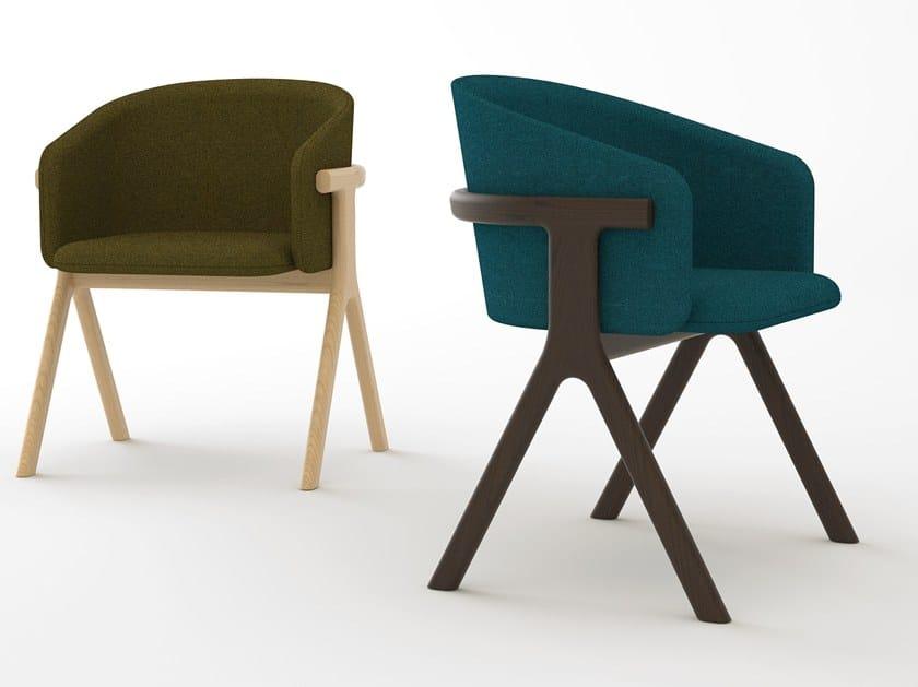 Sedia in tessuto con braccioli EORA by Monolithe Edition