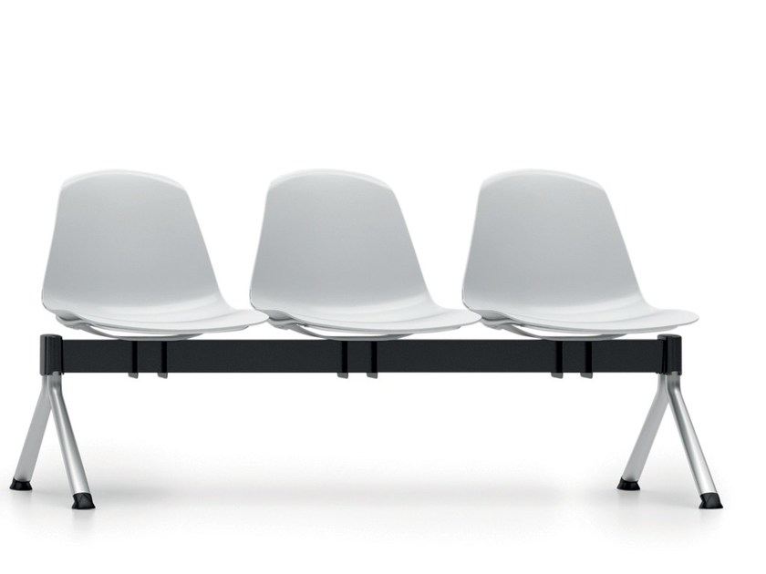 Freestanding beam seating with armrests EPOCA | Beam seating by Luxy