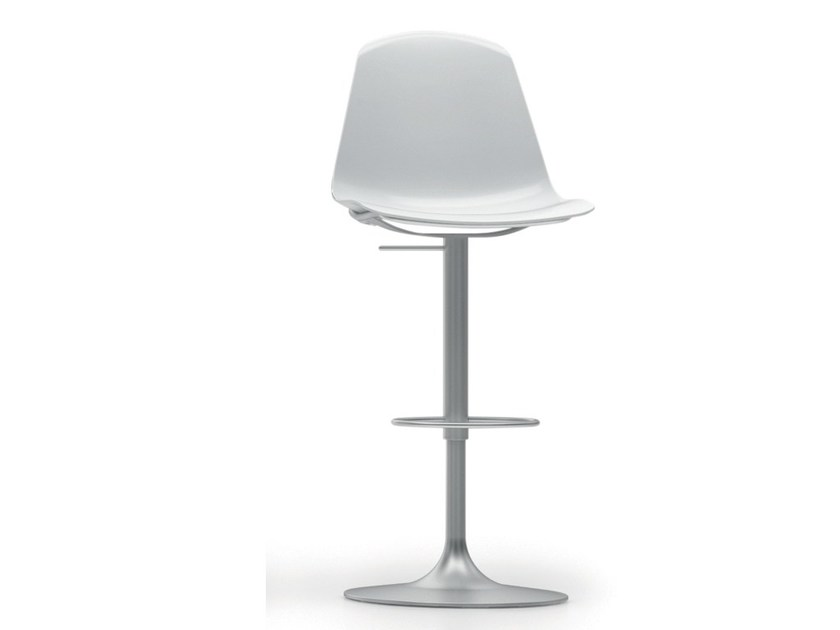 Swivel polypropylene chair with footrest EPOCA | Chair by Luxy