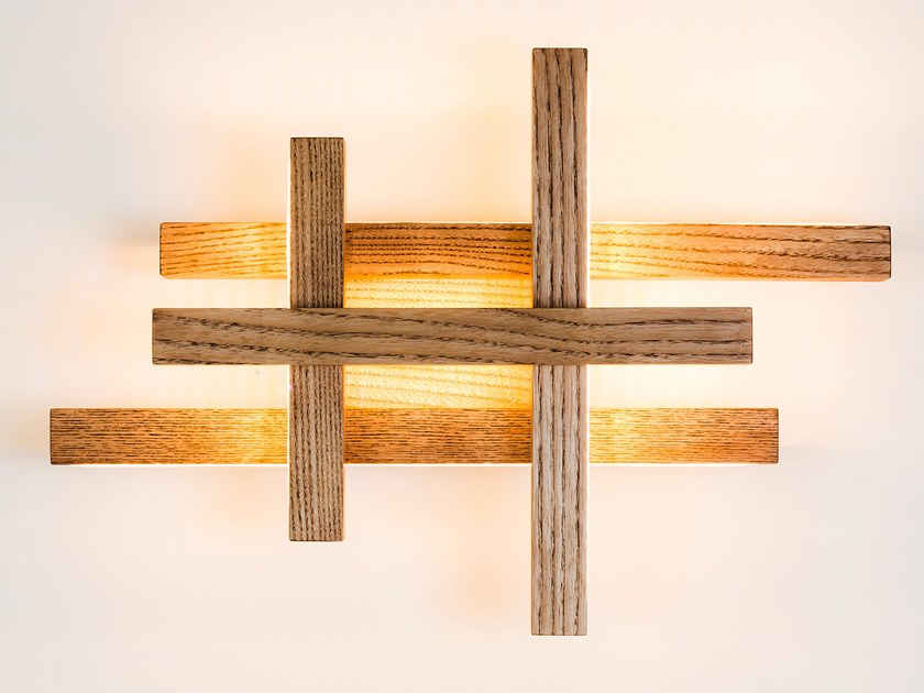 Lampada da parete a LED in legno EQUILIBRIUM by NEXT LEVEL DESIGN STUDIO