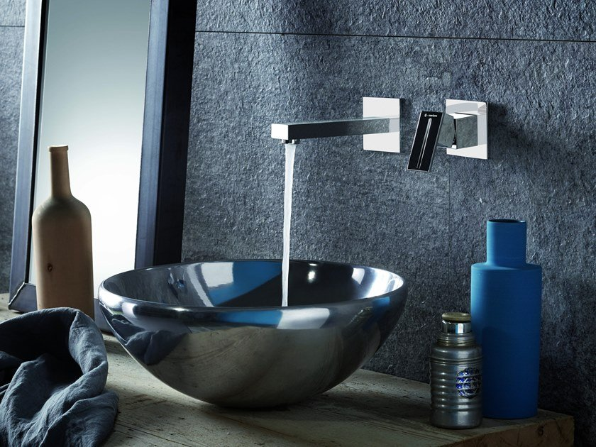 Wall-mounted single handle washbasin mixer ERGO-Q | Wall-mounted washbasin mixer by newform