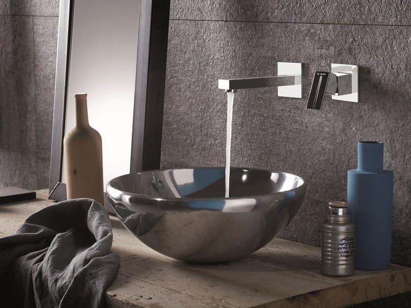 Miscelatore per lavabo a 2 fori a muro monocomando ERGO-Q | Miscelatore per lavabo a muro by newform