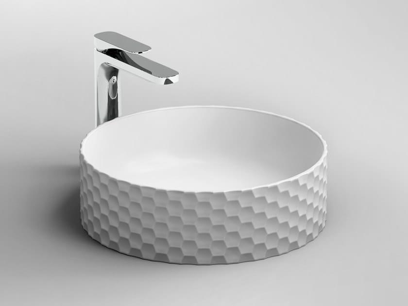 Vasque à poser rond en céramique ESAGONO by Artceram