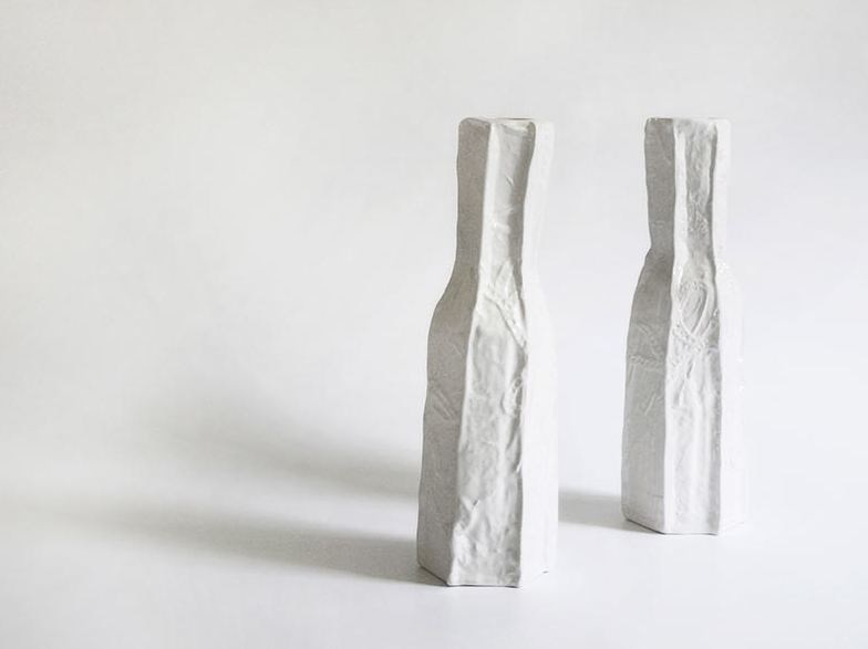 Ceramic bottle ESEDRA by N.O.W. Edizioni