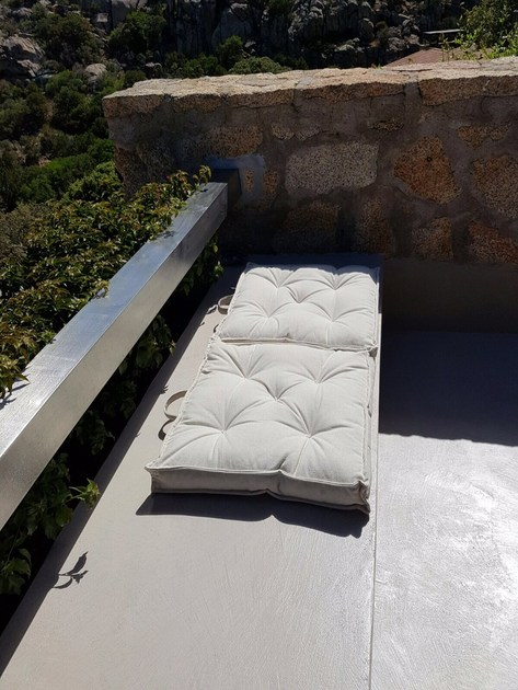 EUWORK LIVING Terrace seat, Sardinia