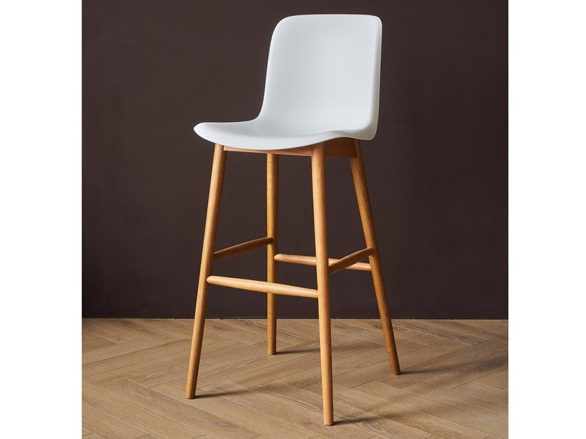 High polypropylene stool and beech legs EVERY | Stool by Grado Design