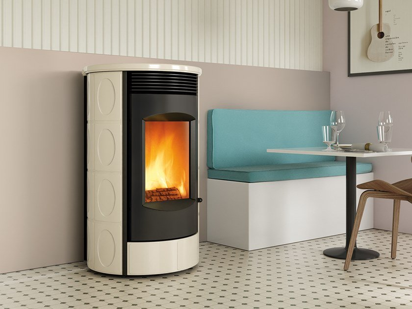 Wood-burning Class A wall-mounted faïence stove EVOCA XW | Wood-burning stove by CAMINETTI MONTEGRAPPA