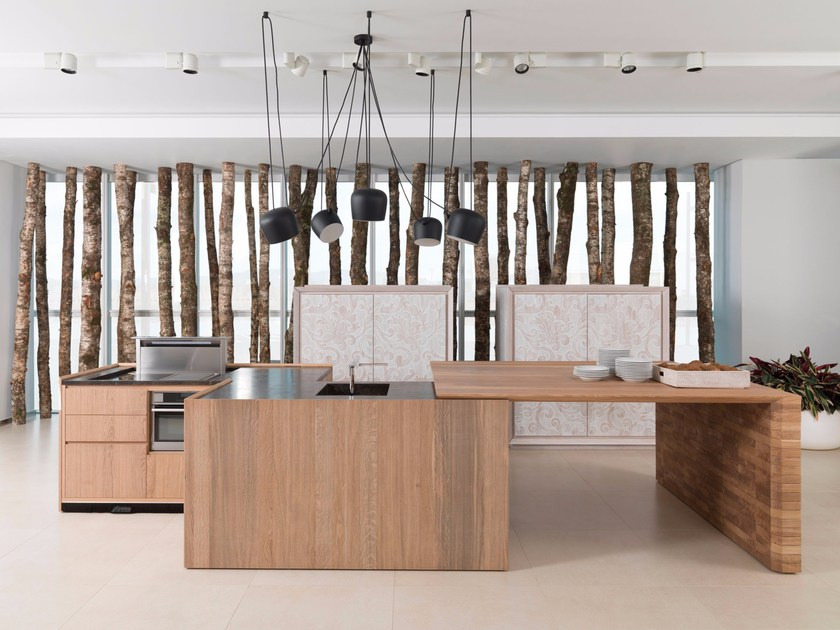 Oak fitted kitchen with island EVOLUTION E7.90 by Gamadecor