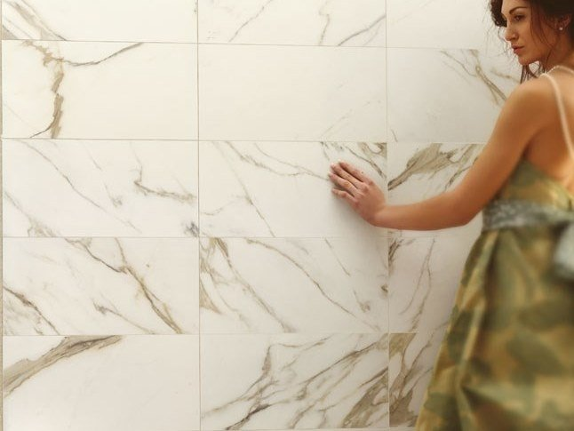 Laminated stoneware wall/floor tiles with marble effect EXEDRA - CALACATTA by COTTO D'ESTE