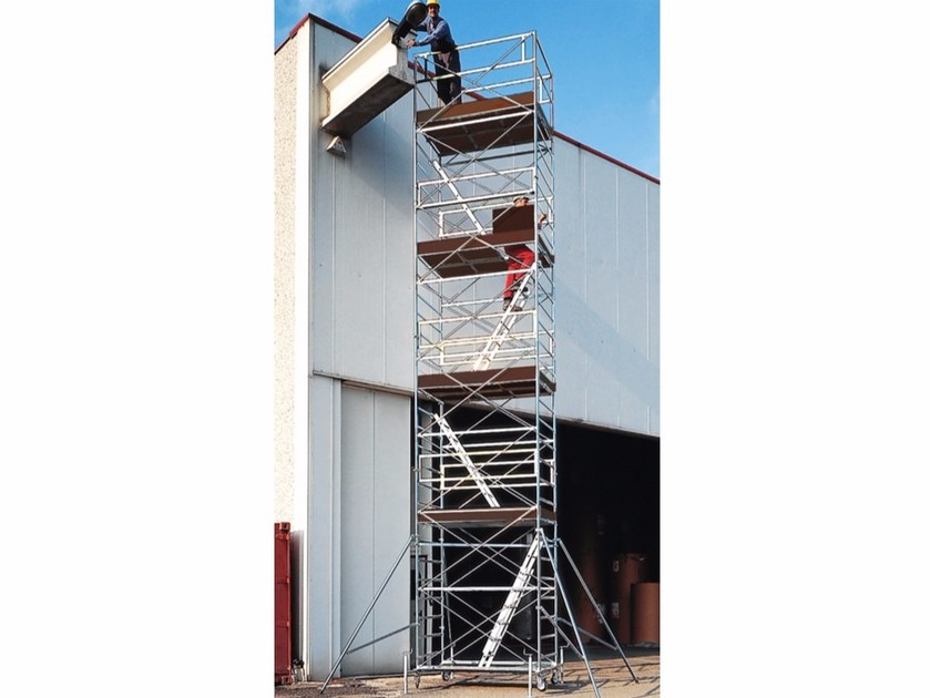 Mobile scaffolding and ladder for construction site EXPORT 3001 by Frigerio Carpenterie