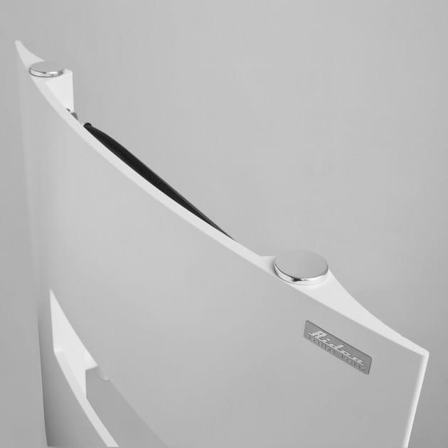 Sezione dall'alto, radiatore estruso prodotto in un solo pezzo, grazie al passaggio dell'acqua solamente nelle estremità laterali è possibile aggiungere tagli interni al centro