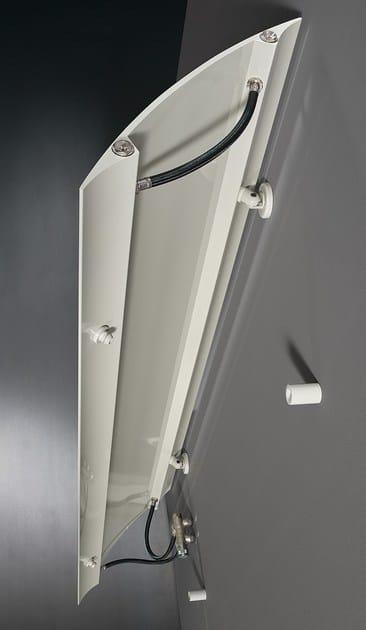 Apertura BREVETTATA a porta per nascondere le valvole, riprendere attacchi già esistenti senza ulteriori opere murarie e facilitare la pulizia del radiatore