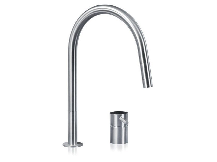 Stainless steel kitchen mixer tap with pull out spray F2 RE | Kitchen mixer tap by MGS