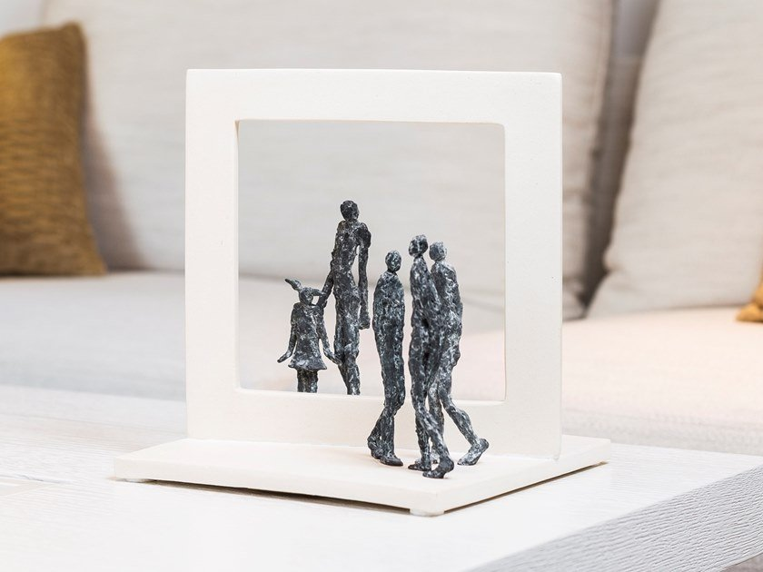 Bronze sculpture FAMILY by Gardeco
