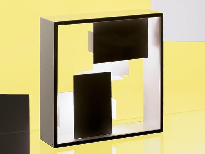 Halogen plate table lamp FATO by Artemide