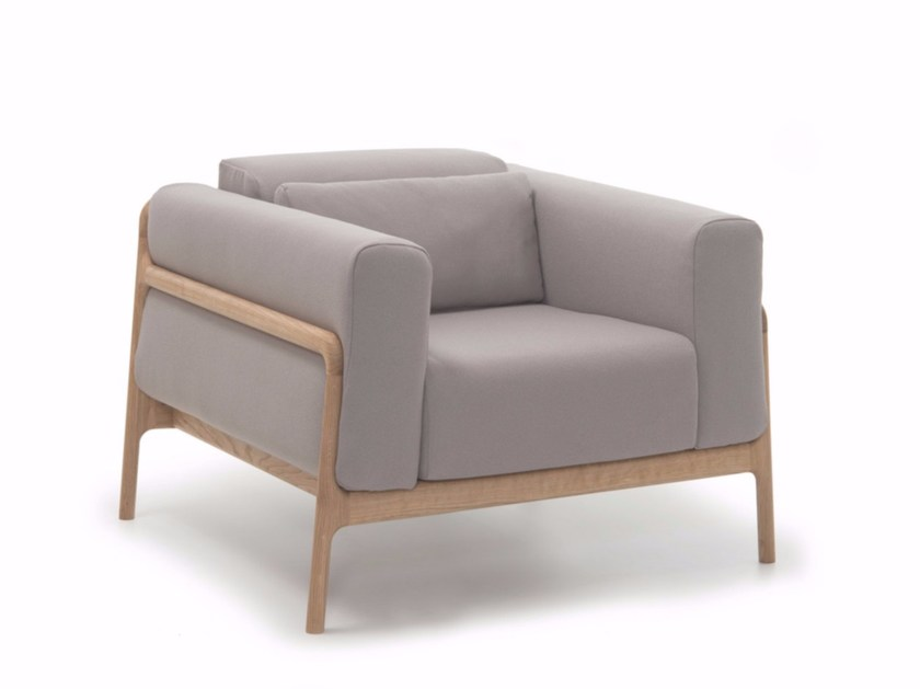 Fabric armchair with armrests FAWN SOFA | Armchair by Gazzda