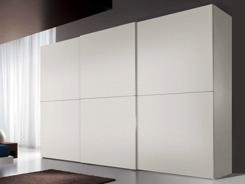 Lacquered wooden wardrobe with sliding doors FILO by Composit