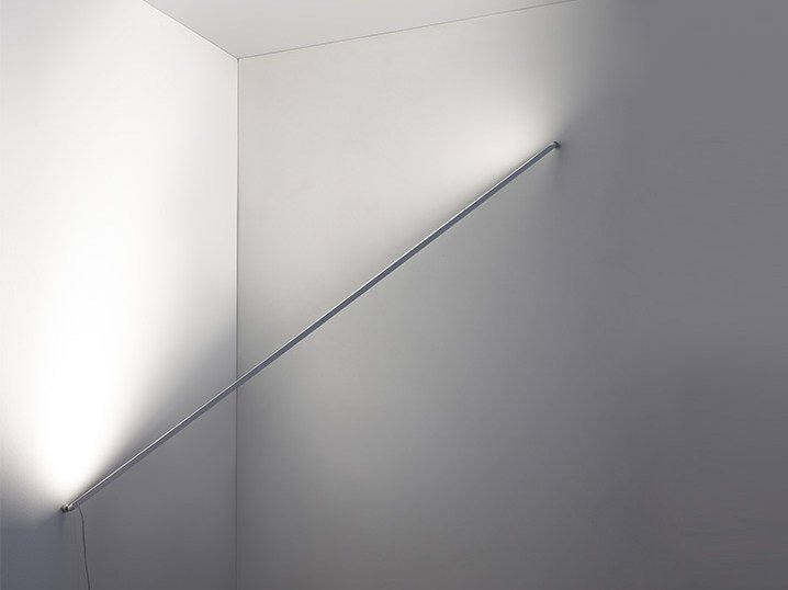 LED aluminium wall grazer FLASHIT by Artemide