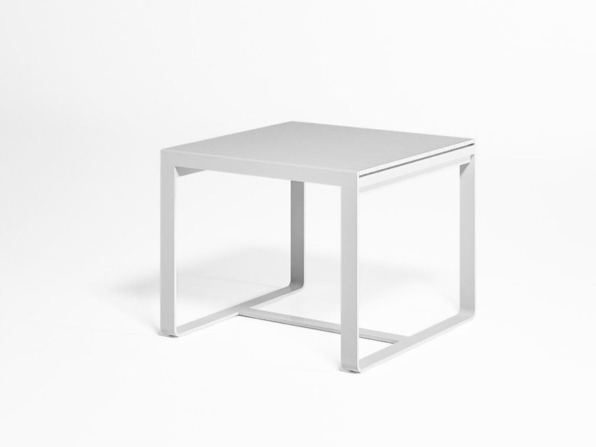 Square thermo lacquered aluminium garden table FLAT | Square table by GANDIA BLASCO