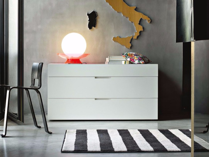 Lacquered dresser FLIN by Lema