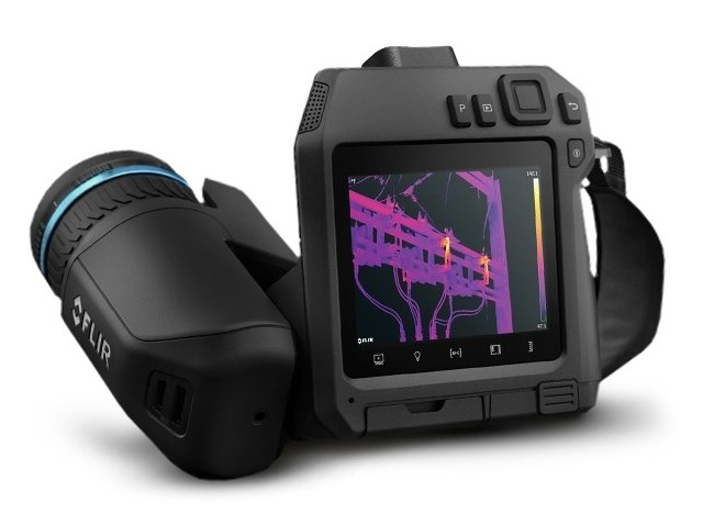 High-performance thermal camera with viewfinder FLIR T840 by FLIR Systems