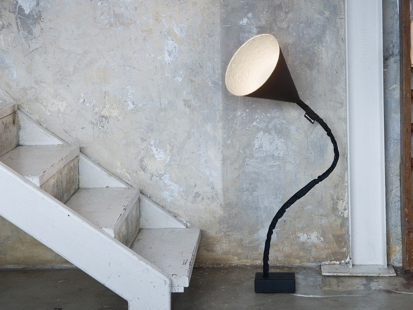 Adjustable resin floor lamp FLOWER LAVAGNA by In-es.artdesign