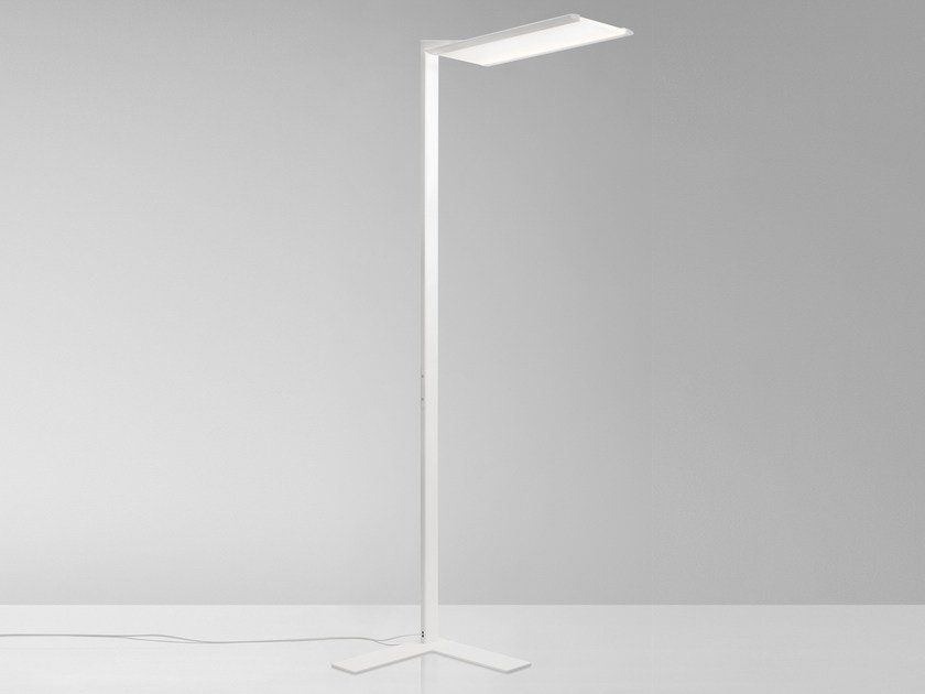 LED aluminium floor lamp FLY by Quadrifoglio