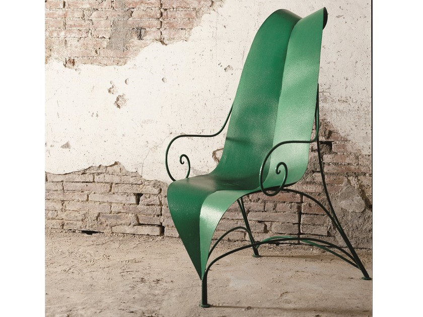 Plate easy chair with armrests high-back FOGLIA by Mirabili